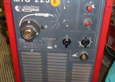Mig 225